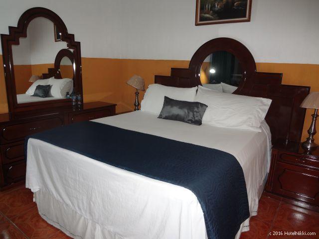 グアテマラ・フローレスのホテル・ヴィラ・デル・ラゴ、Deluxe Double Room with Balcony and Sea View