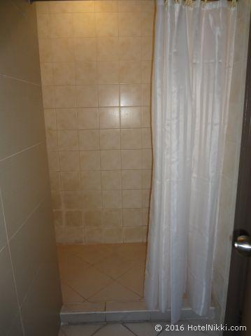 キンバリーホテルマニラ、シャワー