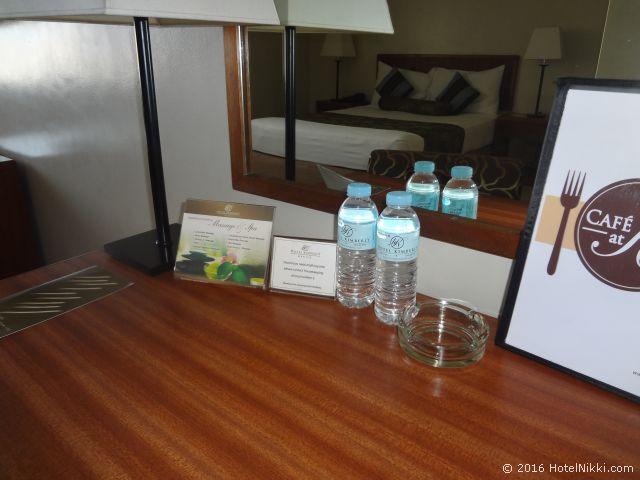キンバリーホテルマニラ、無料のお水
