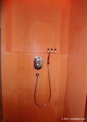 ワンダーラスト シンガポール、シャワー
