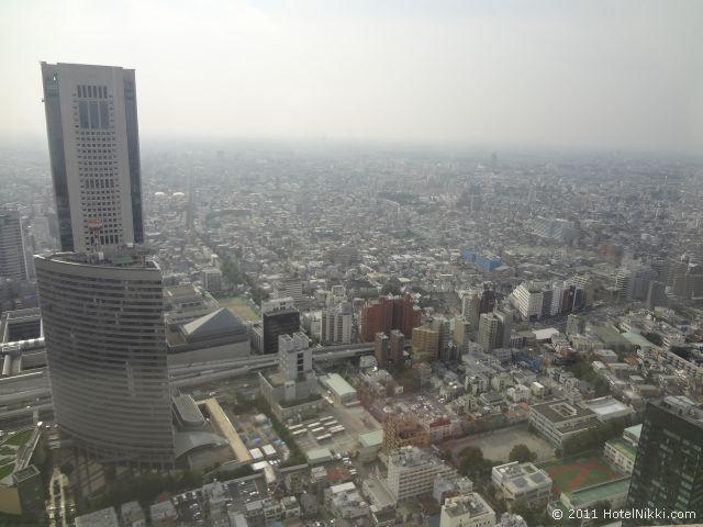 パークハイアット東京 2面の窓から素晴らしい景色が見えます