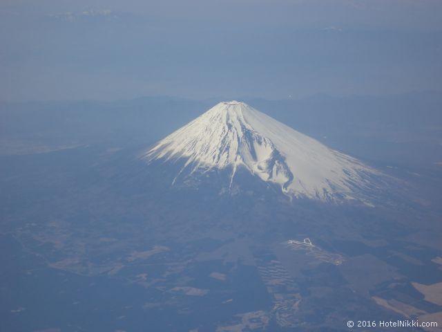 行ってみてよかった世界遺産 TOP 10 日本・富士山 羽田-関空便の上空から (2011年4月撮影)