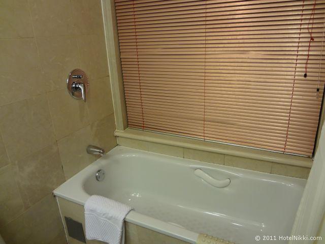 ハワード ジョンソン パラゴン ホテル 北京、ばすたぶ