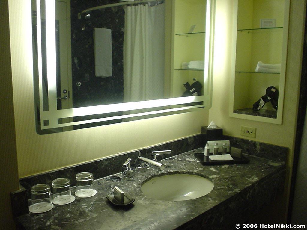 ウェスティンシカゴリバーノース バスルーム