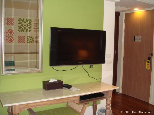 サリル ホテル スクンヴィット ソイ トンロー 1、液晶テレビ