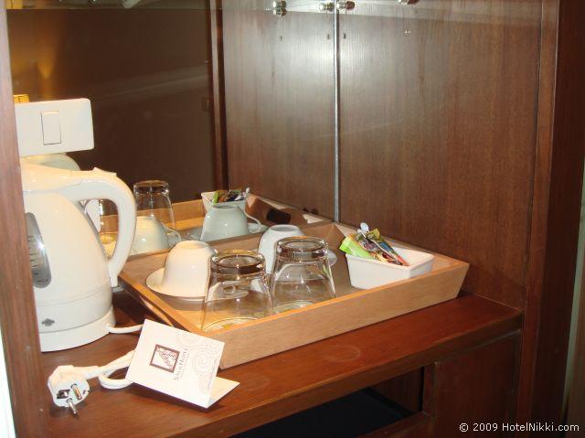 サリル ホテル スクンヴィット ソイ トンロー 1、コーヒー・ティーセット
