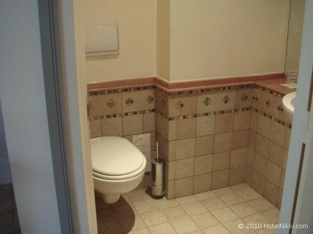ル メリディアン エンフィス バスルーム、トイレ
