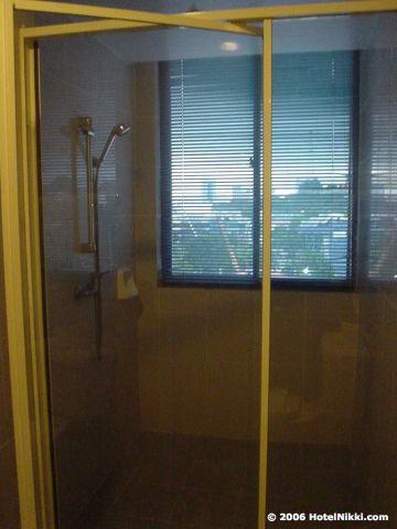 オックスフォードホテルシンガポール シャワーのみ