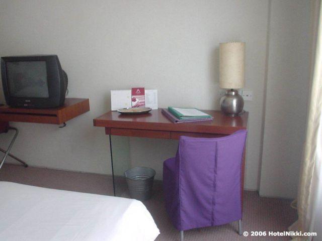 ギャラリーホテルシンガポール デスク