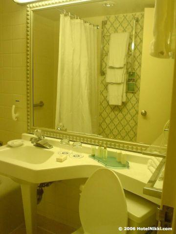 ウィンダムボルティモアホテル バスルーム