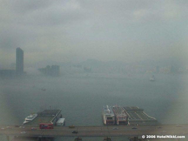 イビス香港ノースポイントホテル、窓からの景色