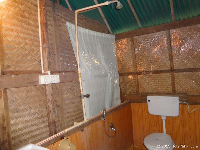 ゴアン カフェ アンド リゾート ゴア、シャワーとトイレ