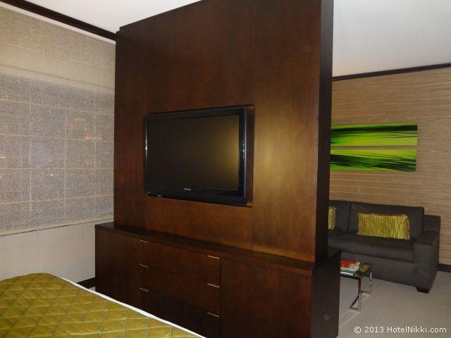 ヴィダラ ホテル & スパ ラスベガス ベッドエリア側のテレビ
