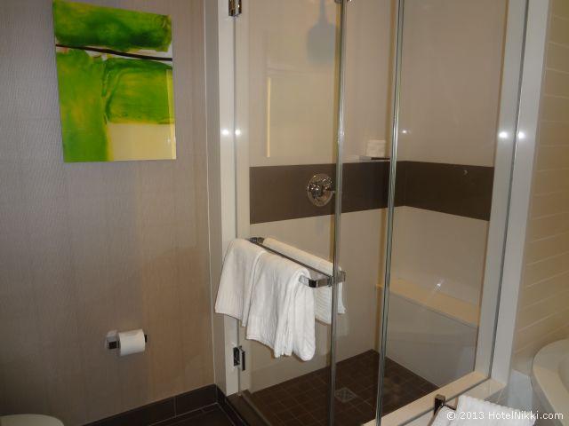 ヴィダラ ホテル & スパ ラスベガス バスルーム、シャワーブース
