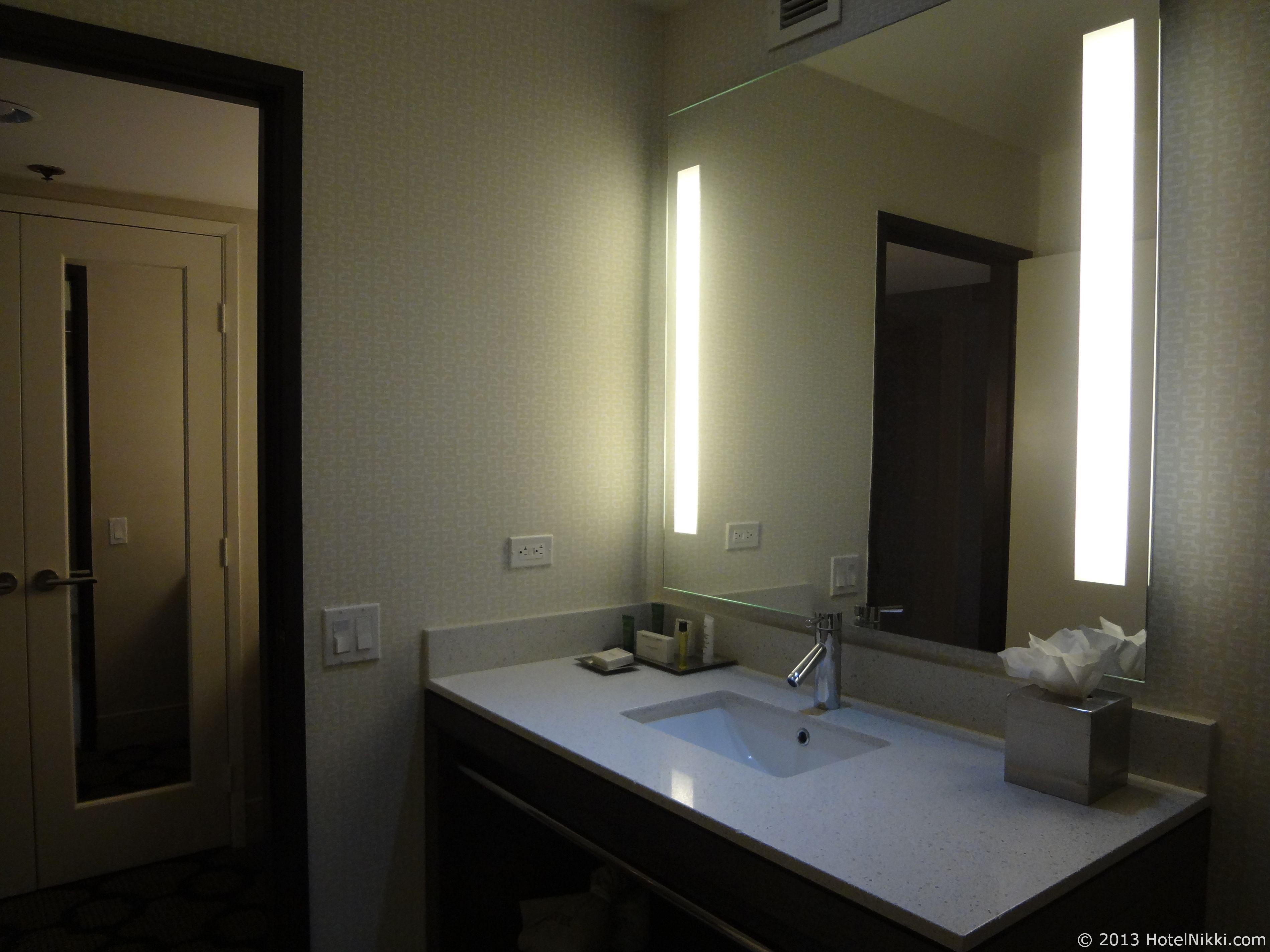 ヒルトンパームスプリングス バスルーム洗面台