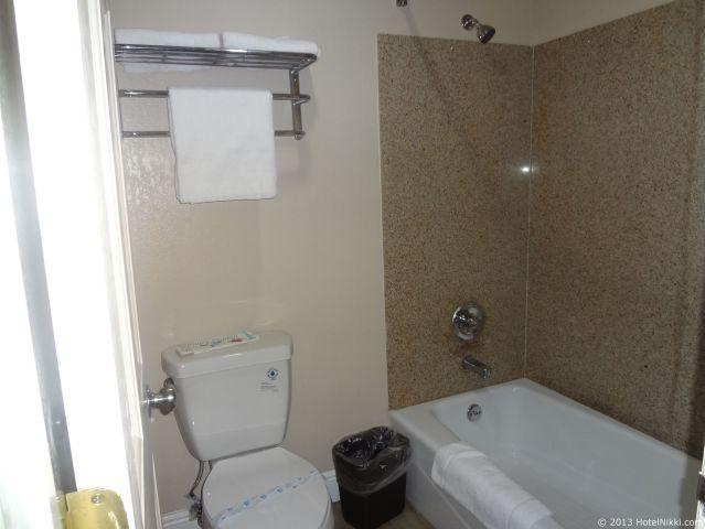 エッジウィーター イン リードリー、バスルームはバスタブありです