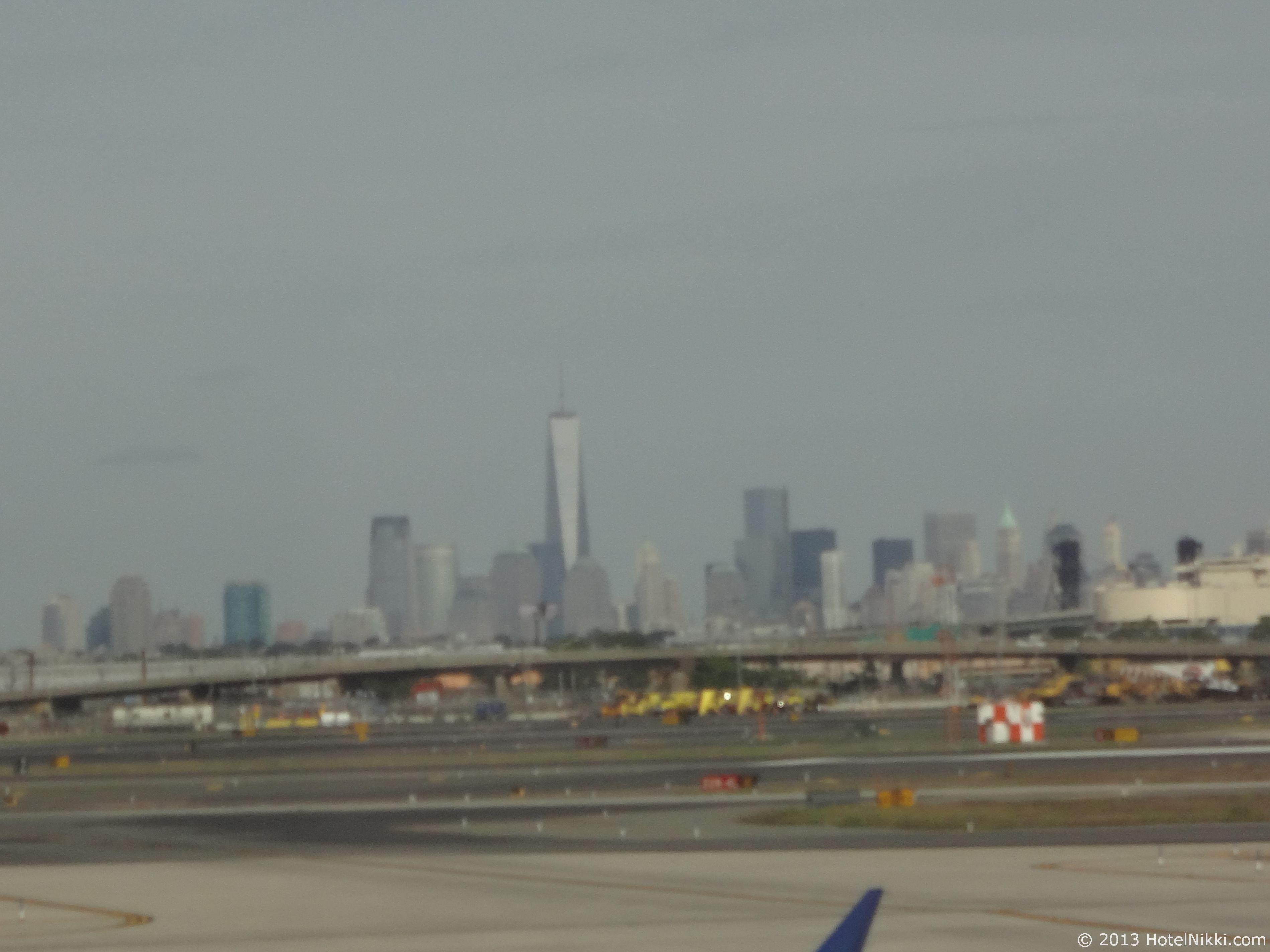 フィラデルフィア日帰り旅行 ニューアーク国際空港から眺めるマンハッタン