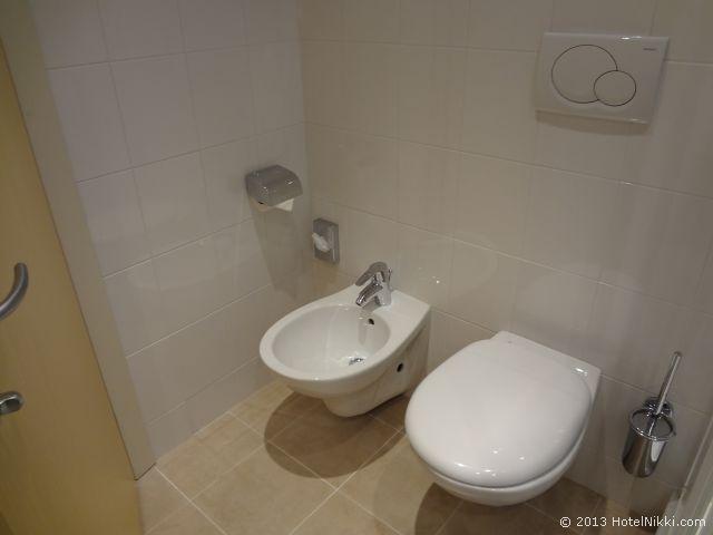 ホリデーインエクスプレス ミラノマルペンサ空港 トイレとビデ