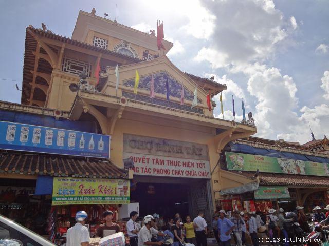 ホーチミンシティ、2013年12月 チョロンのビンタイ市場