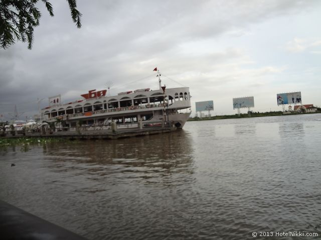 ホーチミンシティ、2013年12月 サイゴンリバー、クルーズ船