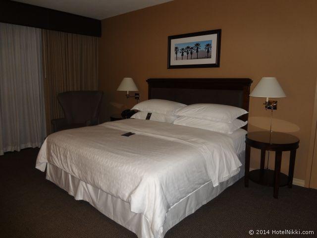 シェラトンパークホテル アナハイムリゾート キングベッドルーム
