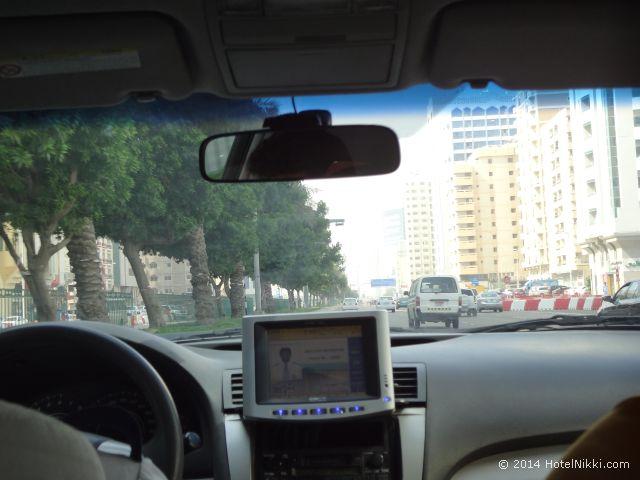 アブダビのタクシーから