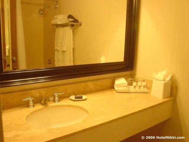 シェラトンゲートウェイロサンゼルスホテル、バスルーム