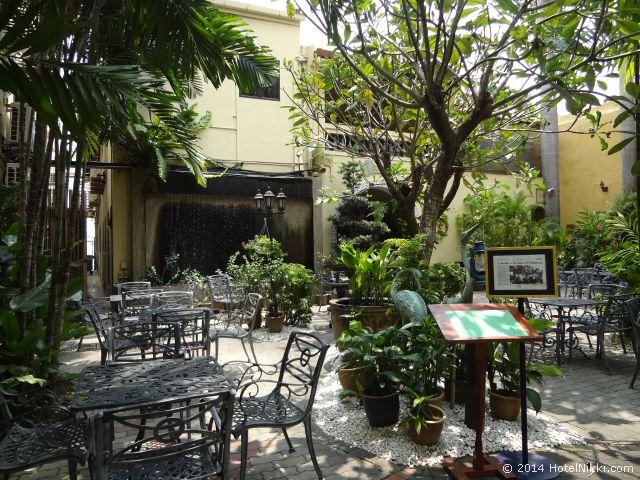2014年3月、マレーシア・マラッカ写真旅行記 プラナカン文化で有名なホテルプリの中庭