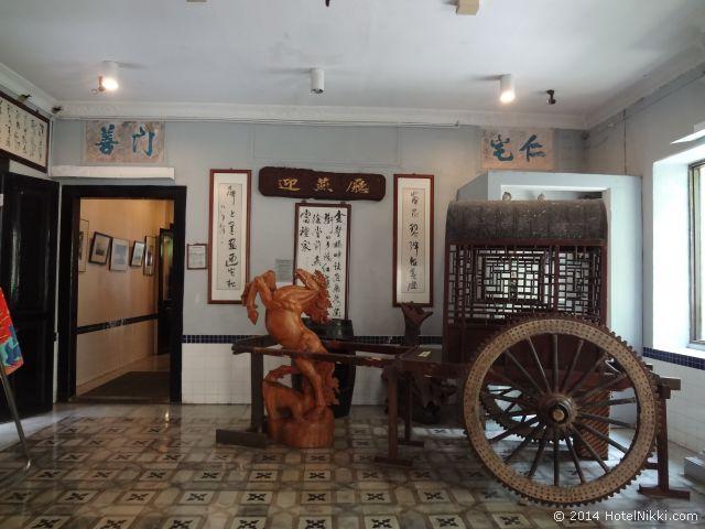 2014年3月、マレーシア・マラッカ写真旅行記 ホテルプリの豪華な展示物