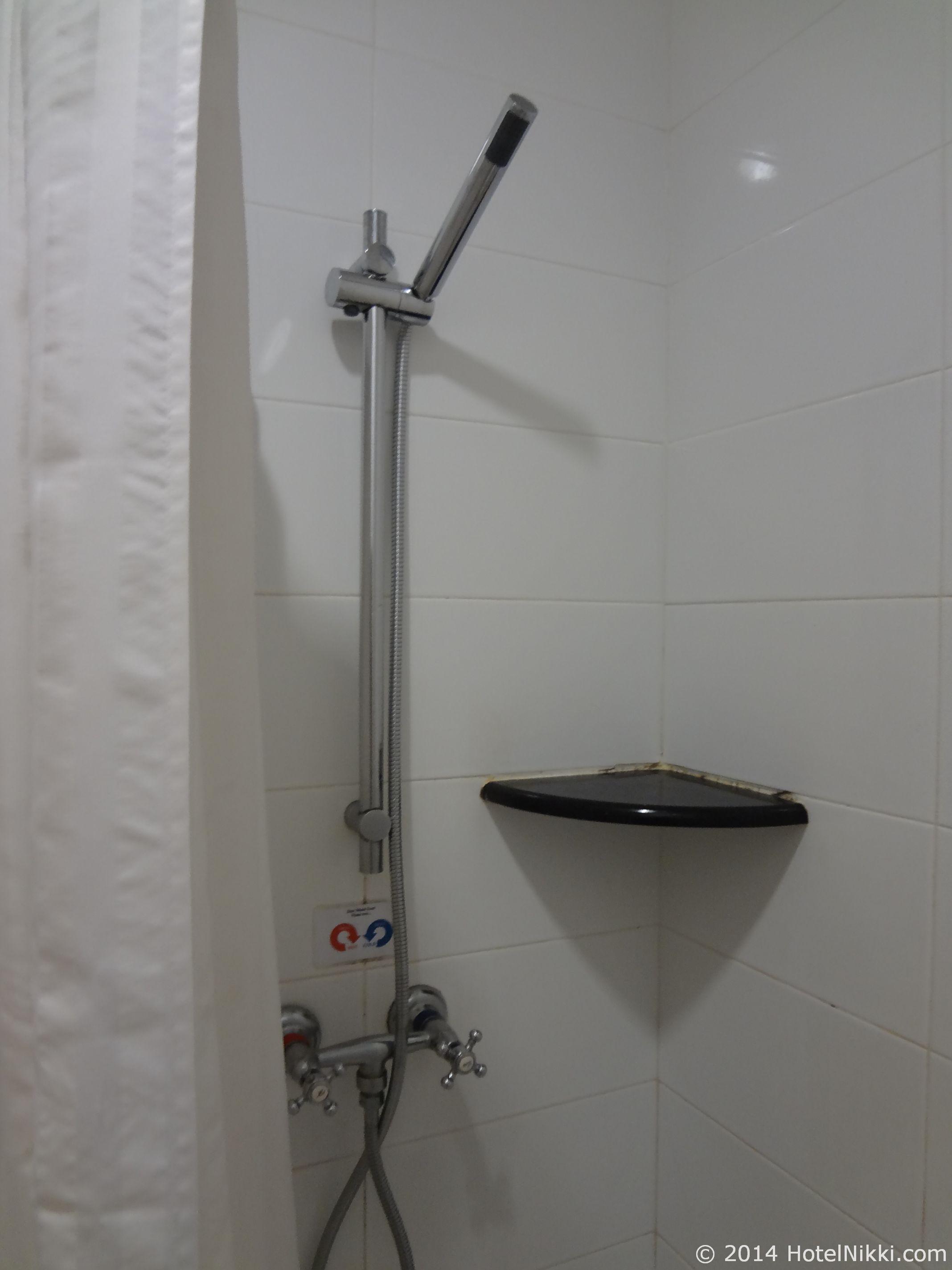 ホテルプリマラッカ バスルーム、シャワーのみ