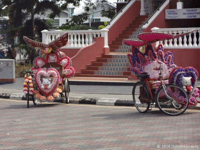 マラッカ写真旅行記2014年3月 オランダ広場の派手なトライショー