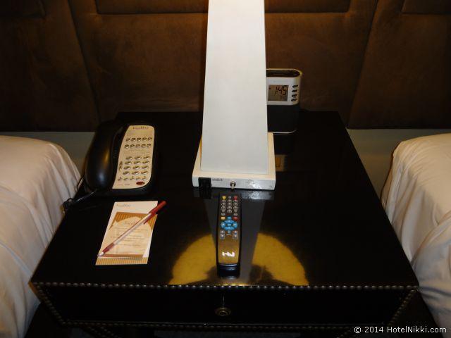 エクスカリバー ラスベガス 電話とテレビのリモコン