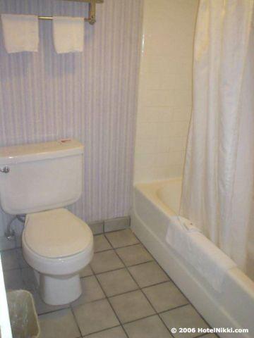 ラマダリミテッドロサンゼルスエアポートイースト バスルーム