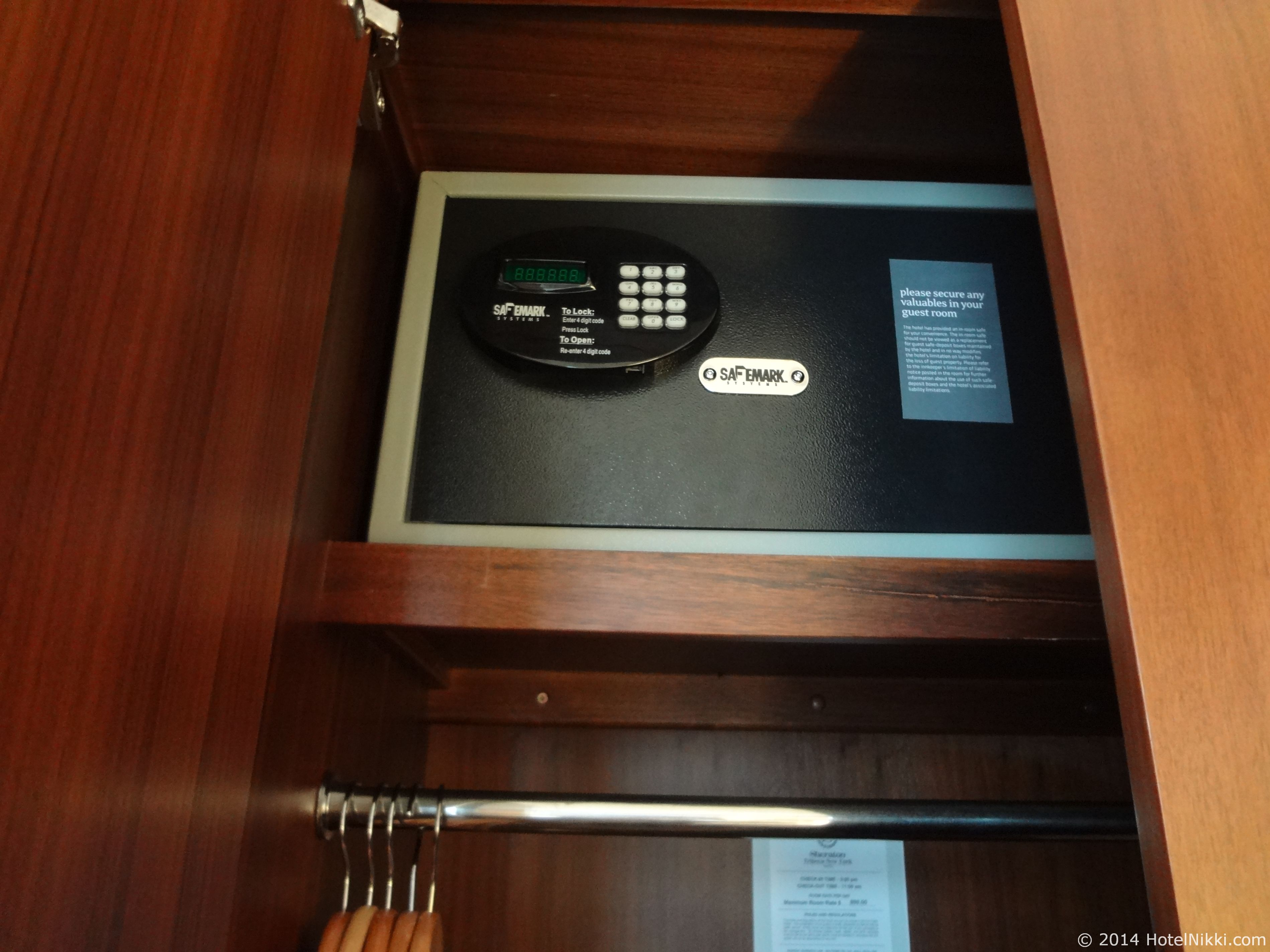 シェラトントライベッカニューヨークホテル クローゼット内の金庫