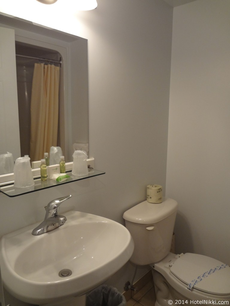 ホテル レ スイーツ ラベル モントリオール バスルーム
