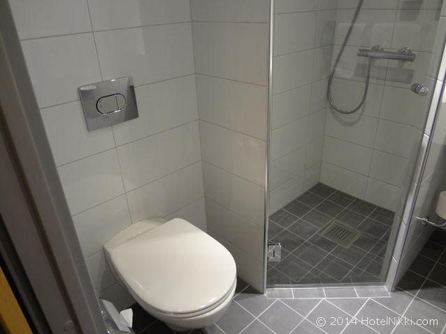 スカンディックホテル・ビポルテン トイレとシャワー