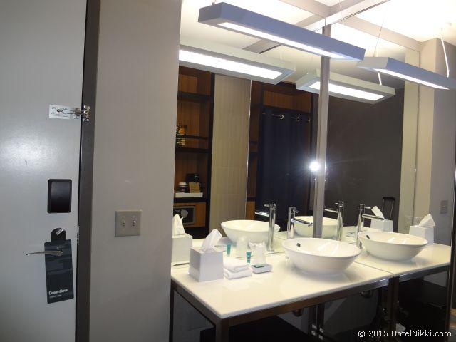 アロフト フェニックス エアポート、バスルームシンク