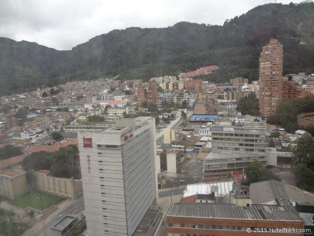 クラウン プラザ スイーツ テケンダマ ボゴタ、窓からの景色