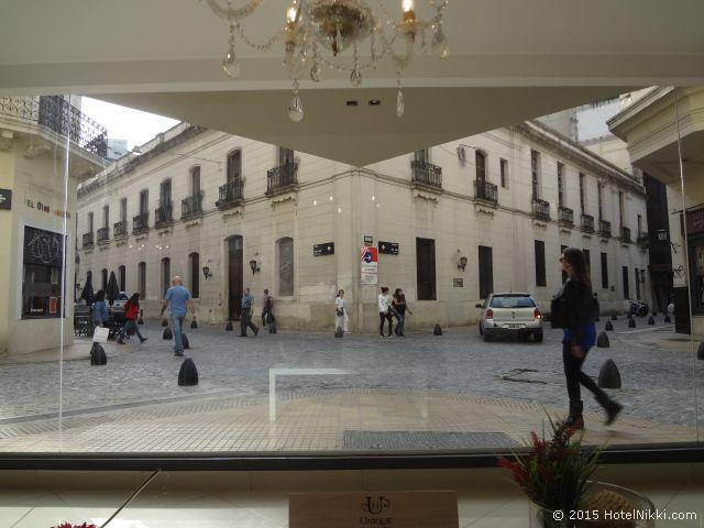 ユニーク パラシオ サン テルモ ホテル ブエノスアイレス、ホテルロビーから見える外の景色