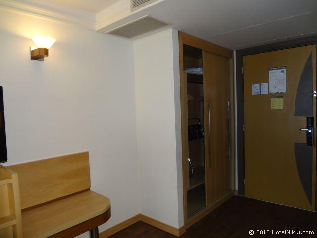 ノボテル ジャラグア サンパウロ コンベンション ホテル、クローゼットと荷物置き場