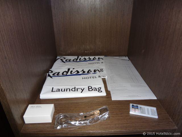 ラディソン ブル ガウトレイン ホテル サントン ヨハネスブルグ、ランドリーバッグや靴磨きそして靴べらも揃っています