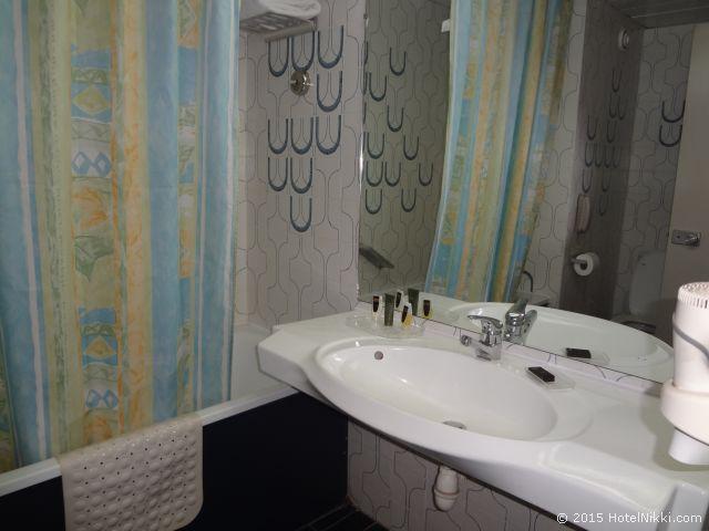 ル パッセージ カイロ ホテル & カジノ、バスルームにはバスタブあり