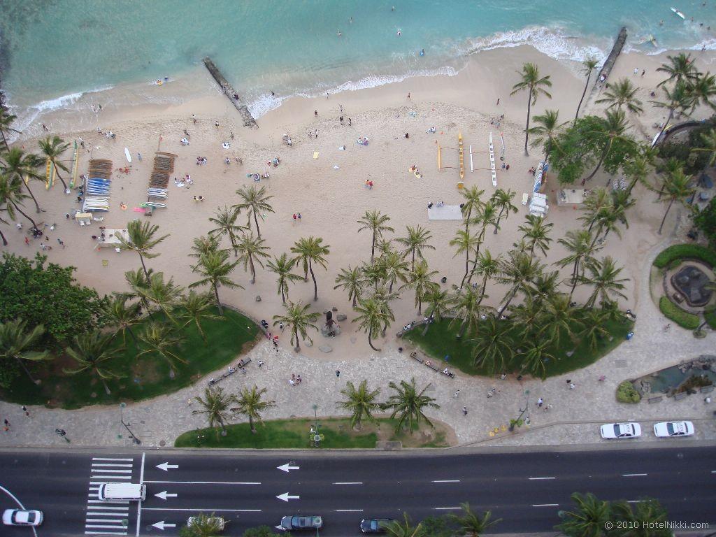 ハイアットリージェンシーワイキキビーチリゾート&スパ リージェンシークラブからワイキキビーチを見下ろす