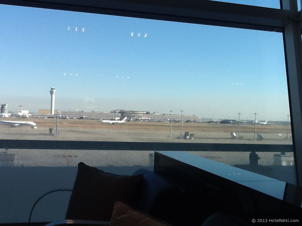 エバー航空 ハローキティジェット 搭乗前、羽田のANAラウンジ