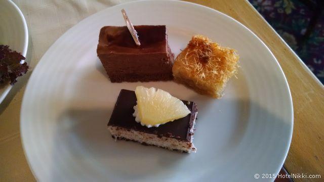 ル パッセージ カイロ ホテル & カジノ、レストランで食べたエジプトスイーツ