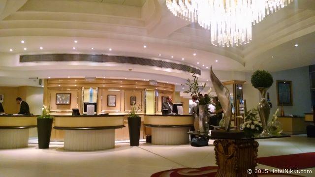 ル パッセージ カイロ ホテル & カジノ、結構立派なホテルロビー