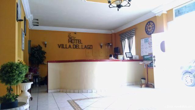 グアテマラ・フローレスのホテル・ヴィラ・デル・ラゴ、フロント