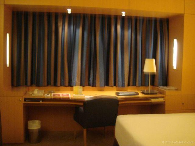 シェラトン パリ エアポート ホテル&コンファレンスセンター 機能的な客室