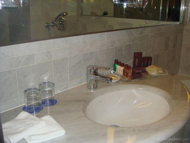 シェラトン パリ エアポート ホテル&コンファレンスセンター バスルーム